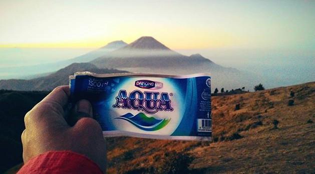 Logo air minum Aqua ternyata mirip banget dengan gunung di Jawa ini