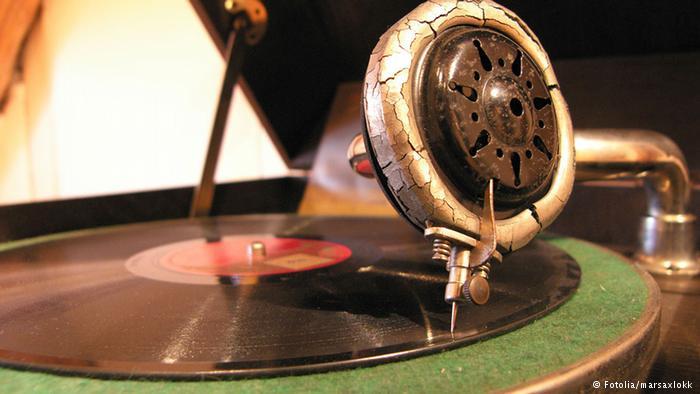 30 Evolusi format musik, dari piringan hitam ke digital, keren!
