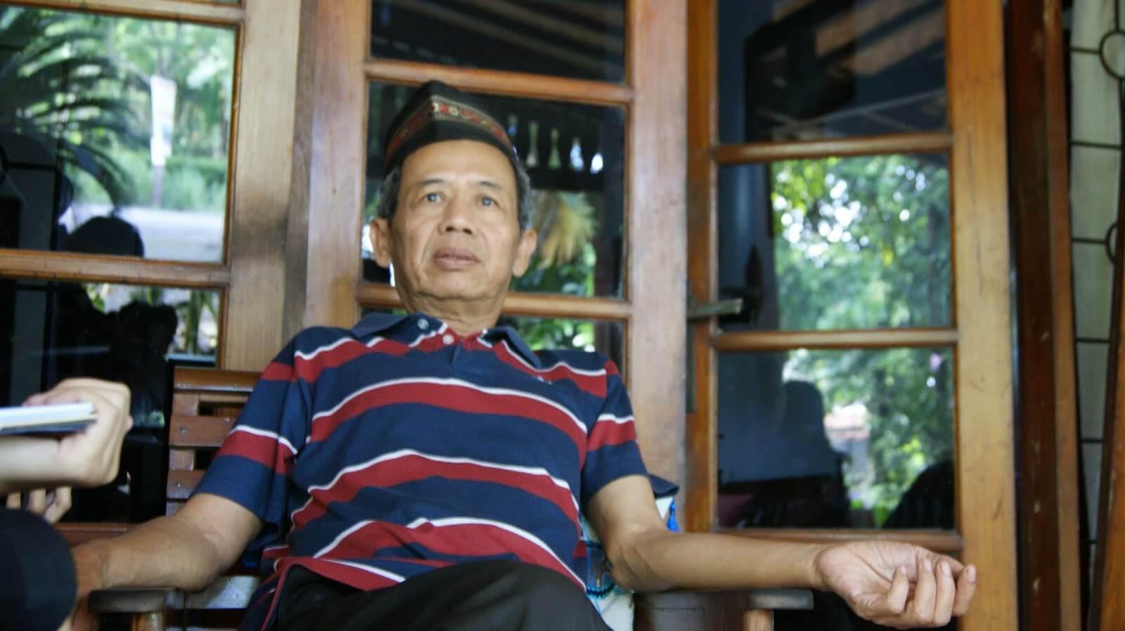 9 Penulis Indonesia yang karyanya bisa sampai mendunia, inspiratif!