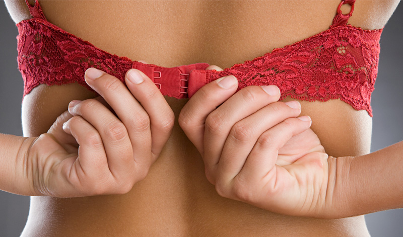 10 Manfaat tak terduga deodorant selain basmi bau badanmu, mau coba?