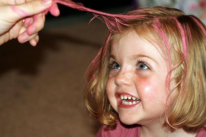 7 Tips penting sebelum mengecat rambut, biar kamu tetap sehat & cantik