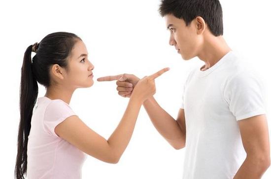 5 Cara darurat ini bisa dilakukan ketika pacarmu sedang marah besar