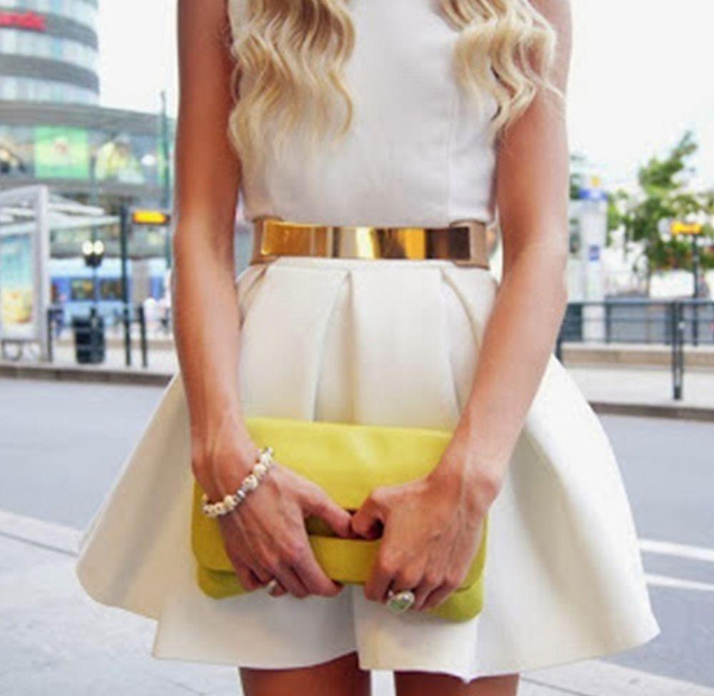 Tips memilih aksesori untuk pakaian berwarna putih