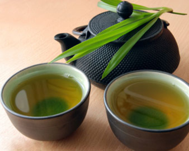 Begini cara minum teh hijau yang benar supaya berat badan turun
