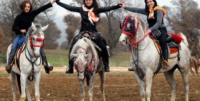 Tak hanya keren, berkuda juga punya manfaat untuk kecantikan