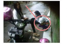 Pamer foto kaki dicium teman, gadis ini dihujat netizen