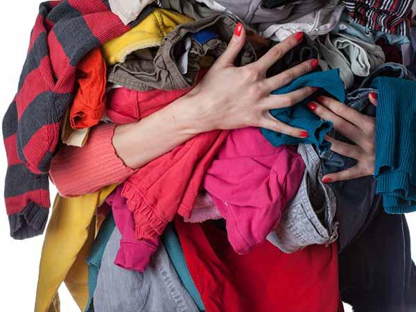 Biar baju kesayanganmu nggak memudar, begini lho cara merawatnya!