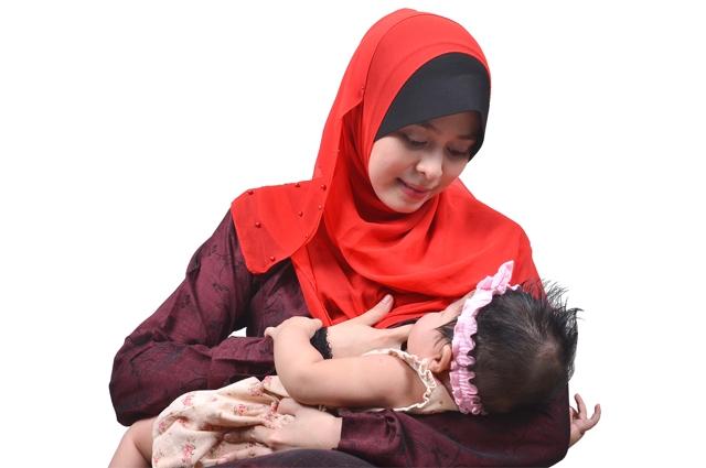 Di desa ini para ibu enggan menyusui bayinya akibat bra, kok bisa?