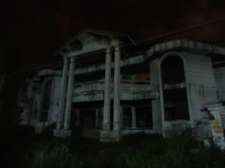 20 Tempat ini identik dengan kemunculan hantu, kamu pernah mengalami?