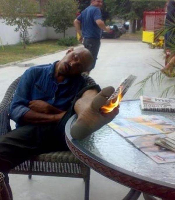 25 Foto pose lucu orang tidur ini dijamin bikin kamu ketawa cekikikan