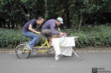 Selain menyehatkan, bersepeda juga bisa bikin kamu ketemu jodoh lho