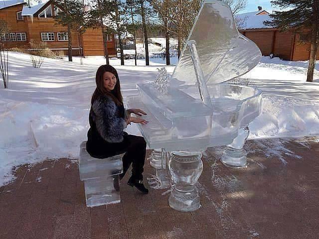 Keren, karya seni menakjubkan ini terbuat dari es!