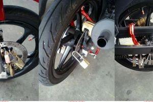 Takut kemalingan, pemilik motor ini kunci motornya pakai 15 gembok
