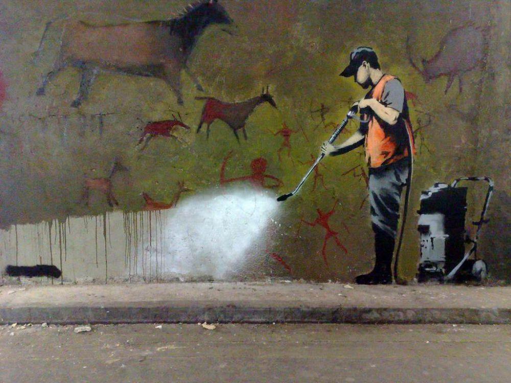 15 Grafiti cerdas karya Banksy, seniman misterius asal Inggris