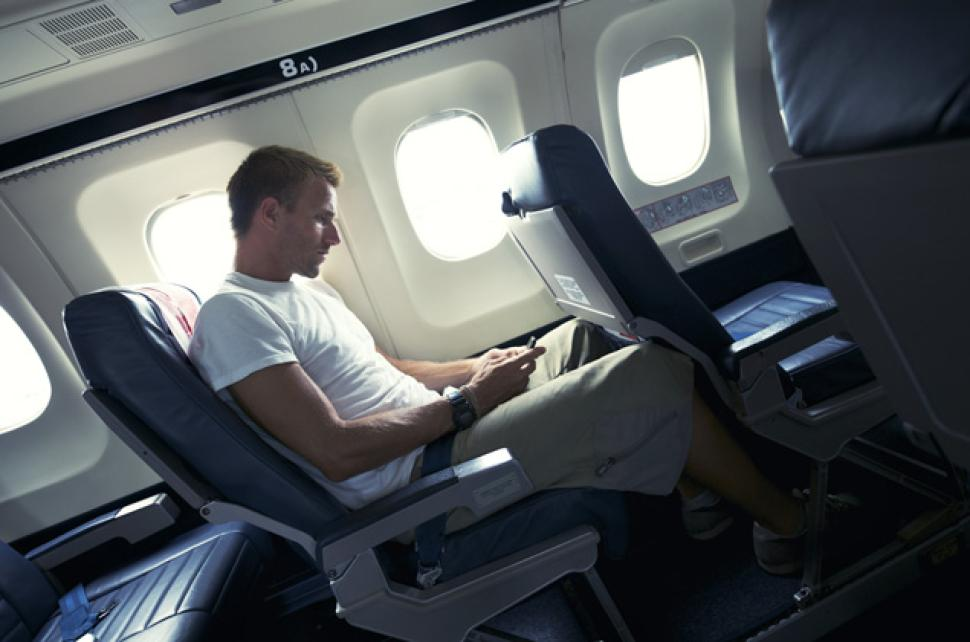 Kelakuan konyol ini bisa bikin kamu diturunin dari pesawat, catet!