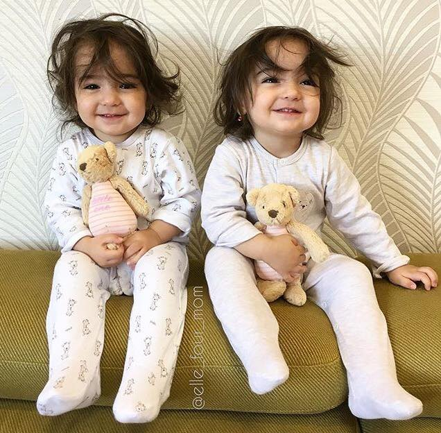 Gambar Anak Kembar Yang Lucu