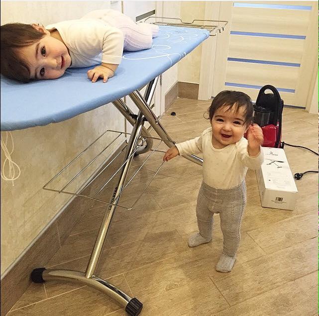 20 Foto balita kembar ini bikin kamu ingin cepat punya anak!