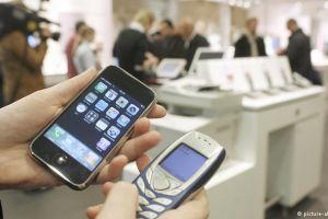 12 Alasan tak terduga handphone jadulmu tak perlu diganti smartphone!