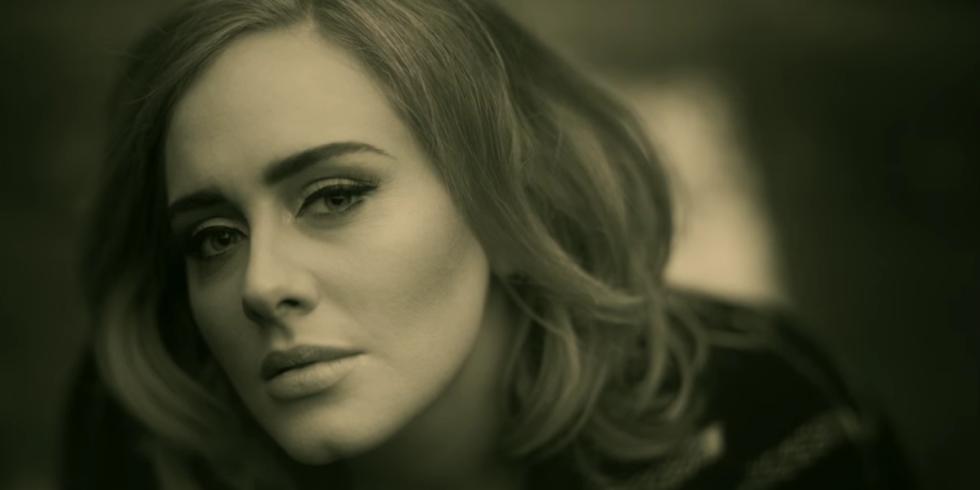 Setelah Adele luncurkan 'Hello', kini banyak cewek yang hubungi mantan