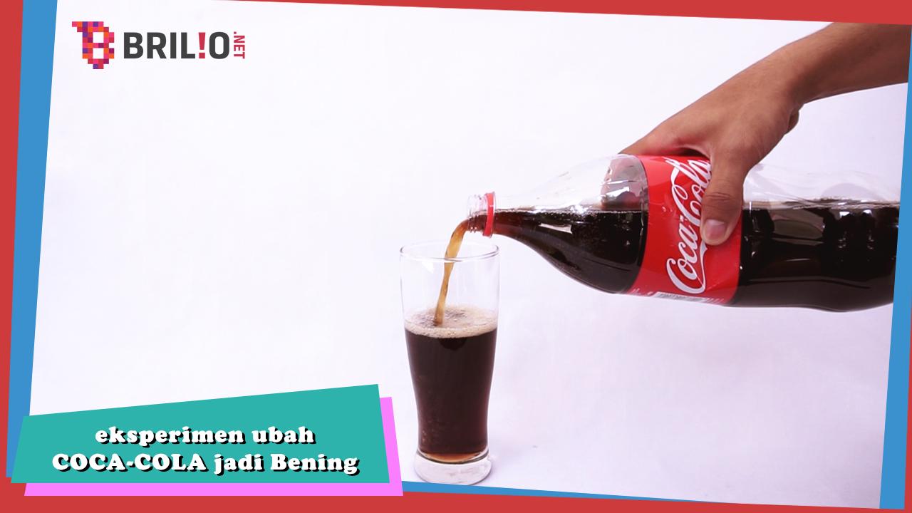 Sim salabim, sekali aduk Coca Cola jadi bening!