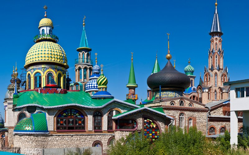 Satu bangunan ini dijadikan tempat ibadah umat 12 agama