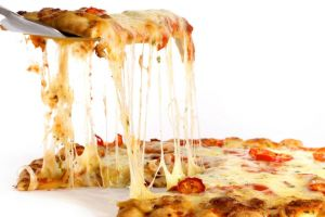 Sering rebutan potongan pizza? Coba tipsnya pakai rumus Matematika ini