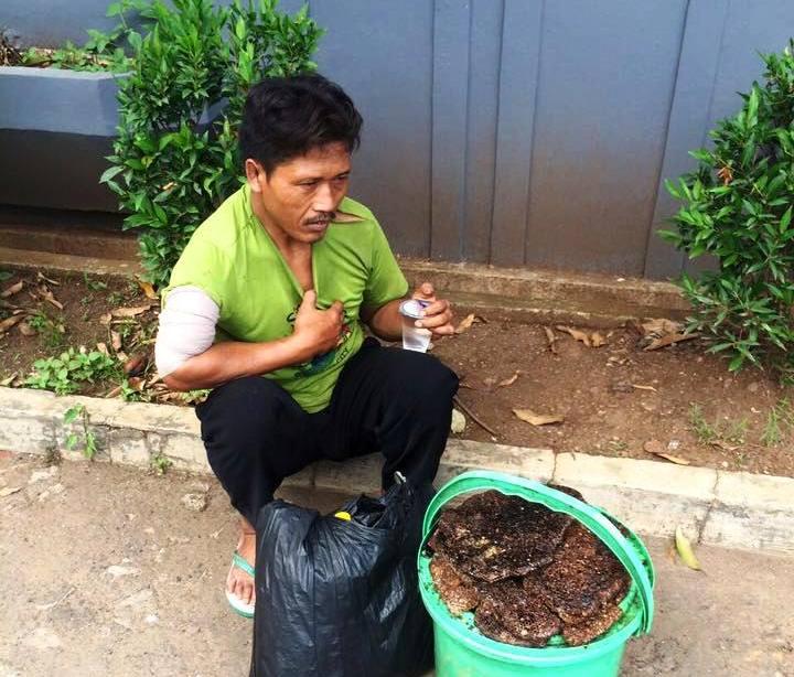 Kisah penjual madu keliling ini bikin miris netizen