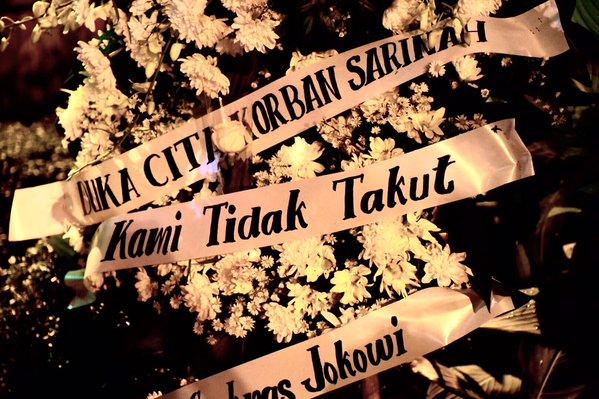 Karangan bunga 'Kami Tidak Takut' hiasi pos polisi Sarinah