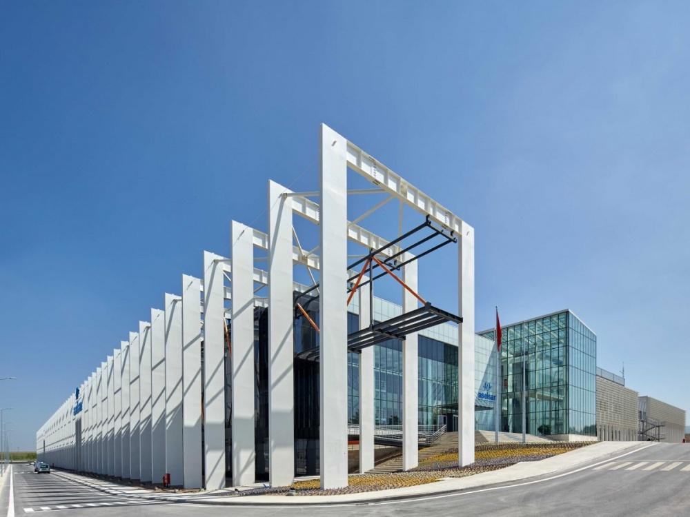29 Desain unik bangunan gedung seluruh dunia, ada Indonesia juga lho!