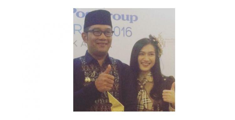 Ridwan Kamil unggah foto bareng Melodi JKT48, WOTA iri nggak?