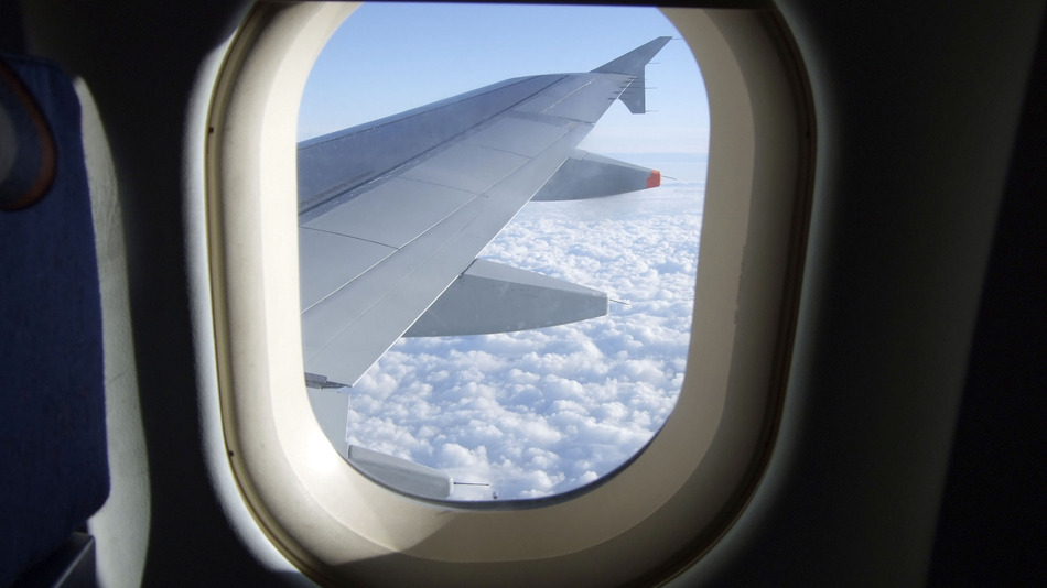 Fakta tak terduga ini ungkap alasan jendela pesawat berbentuk bundar