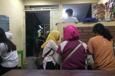 Demi seporsi Indomie, pelanggan rela antre 2-3 jam di warung ini