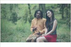 Gokilnya gaya orang Papua nyanyikan lagu dangdut berbahasa Jawa