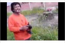 VIDEO: Petani cerdas ini pakai remote control untuk kendalikan traktor