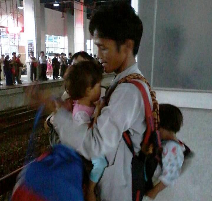 Mencari istri hingga Jakarta, bapak dua anak ini tak bisa pulang