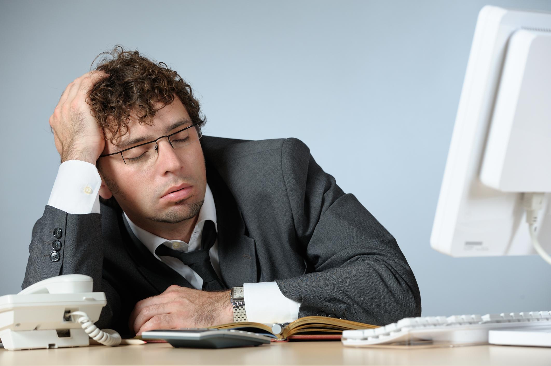 15 Tampang Lucu Karyawan Yang Ketiduran Di Kantor Duh Kasihan