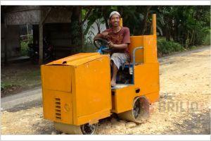 Sariman, 'wong cilik' jenius, bisa buat alat berat dari barang bekas