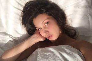 11 Foto Bella Hadid, adiknya Gigi Hadid, cantiknya bagaikan bidadari!