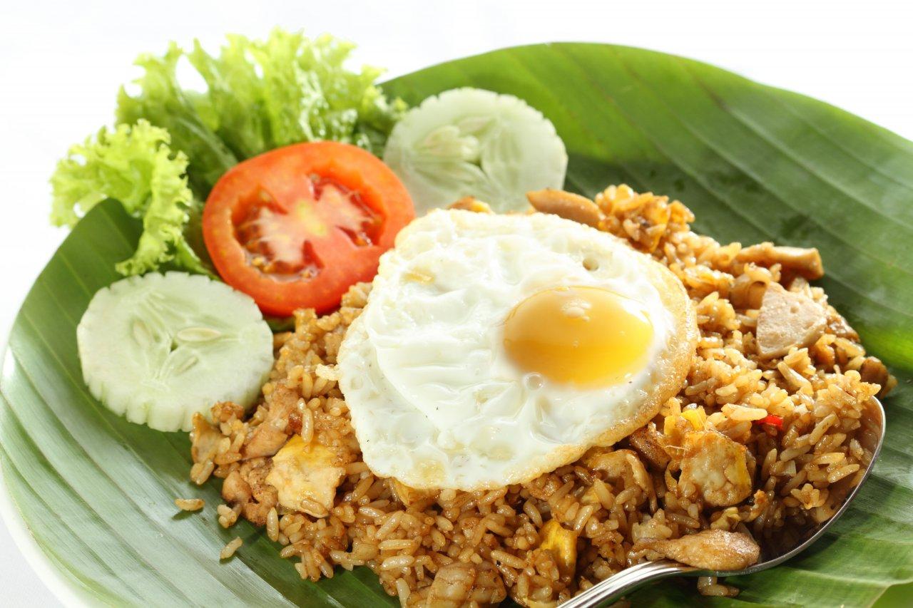 Makan Nasi Goreng Pakai Timun Ternyata Berbahaya Lho