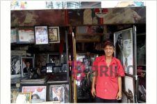 Kisah Doni, 16 tahun jualan foto Bung Karno bisa sekolahkan 6 anaknya