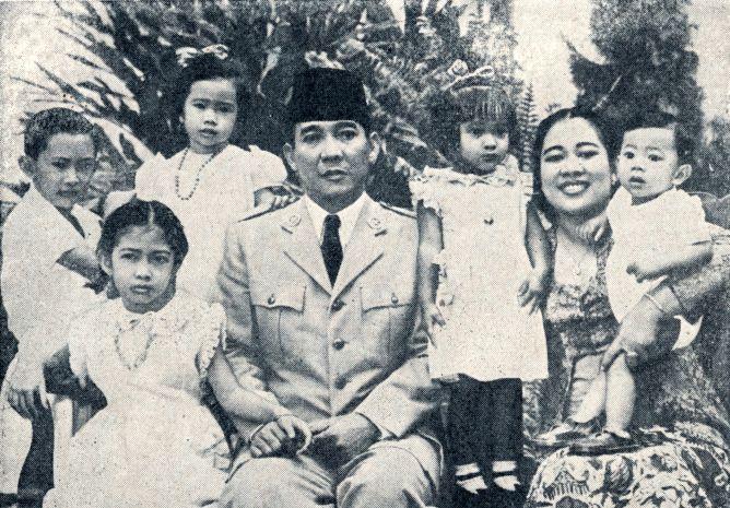 Kehangatan para presiden Indonesia dalam bingkai foto keluarga