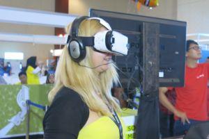 Menjajal virtual reality, banyak pengguna takjub dan senyum sendiri