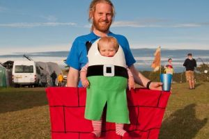 Penampilan imut bayi dengan kostum tokoh film, makin menggemaskan deh!