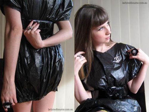 13 Gaun terbuat dari tas plastik yang tidak kalah elegan