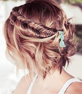 Rambut Pendek Juga Cantik Lho Dikepang Gaya Ini Bisa Kamu Coba - Gaya rambut pendek kepang