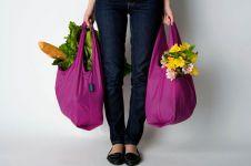 Tinggalkan tas plastik, yuk bikin sendiri tas buat belanja