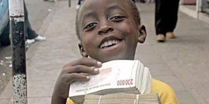 Sembilan mata uang diberlakukan di negara ini, kok bisa?
