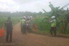 Wah! Polisi ini razia pemotor hingga jalan desa