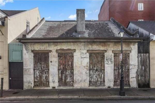 Interior rumah umur 200 tahun ini memukau, tampilan luarnya menipu!