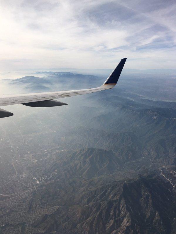 15 Potret keindahan bumi dari balik jendela pesawat bakal bikin takjub